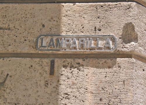 lamparilla_street_havana